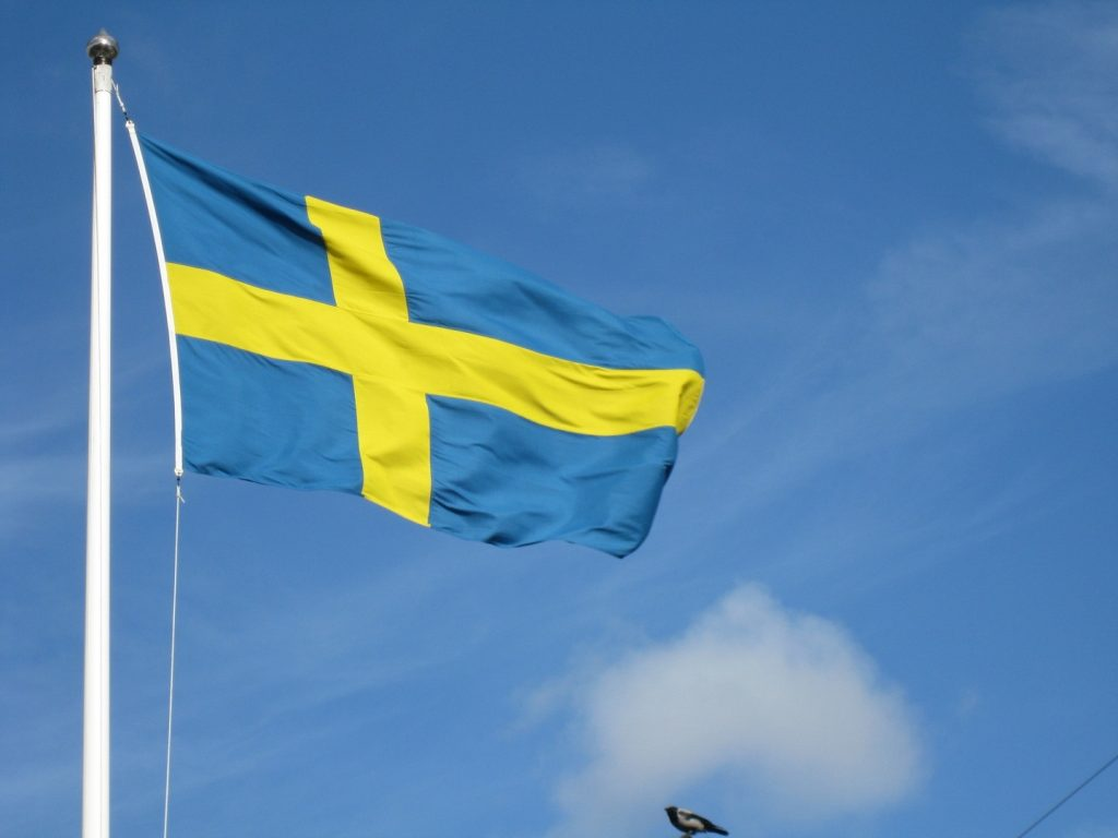 Swedish flag by Matti Mattila in Flag of Sweden on Fotopedia - Images for Humanity grand petit